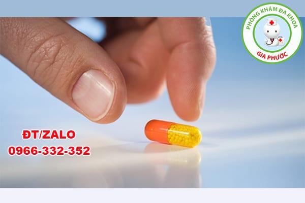 trị viêm tiết niệu bằng kháng sinh