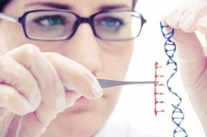 bệnh hôi nách do di truyền
